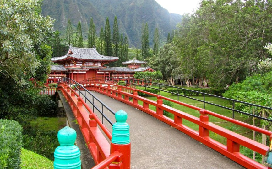 A Hint of Asia in Hawaii – Byodo-in Temple