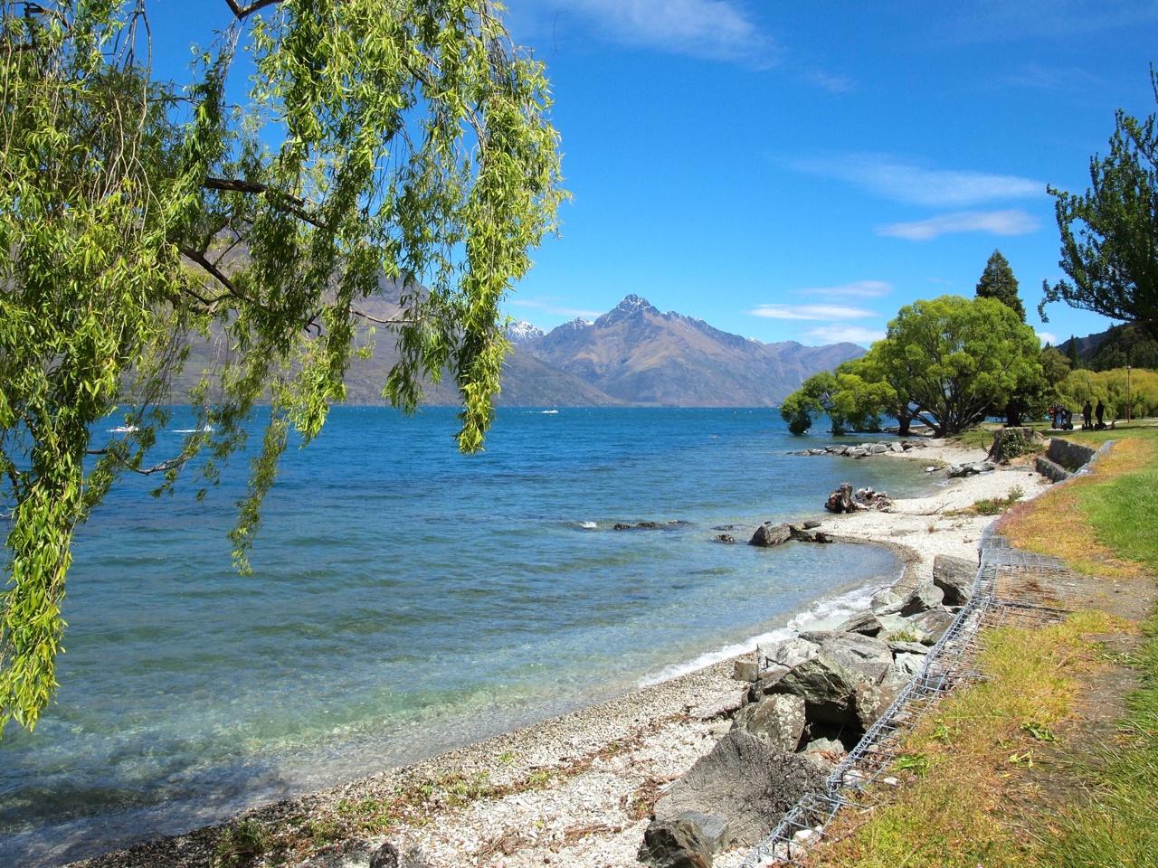 Lake Wakatipu in Queenstown, New Zealand