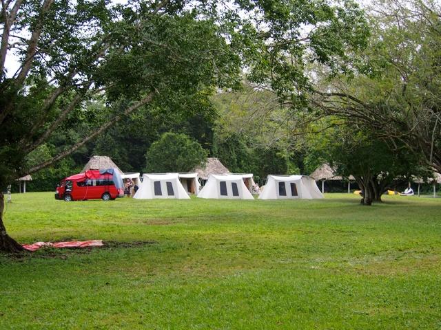 Tikal camping