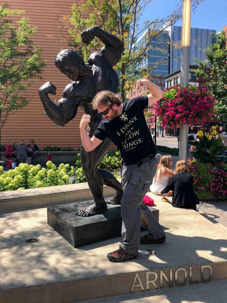 Arnold statue in Columbus